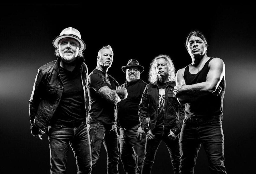 Lo scorso 28 Settembre, è uscito il nuovo album dei Metallica, intitolato S&M2. Il disco celebra il ritorno sul palco della band con la San Francisco Symphony, quelli del 6 e 8 settembre 2019.