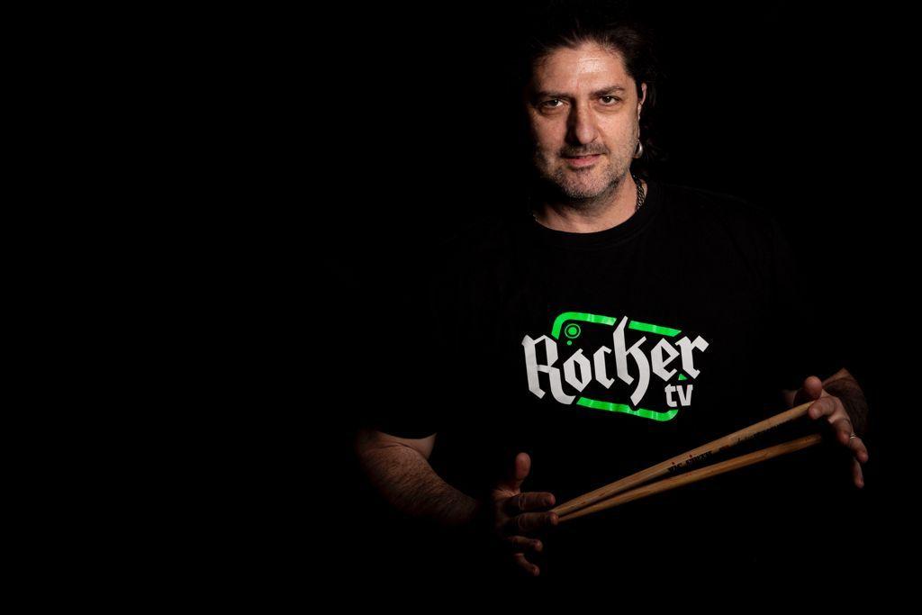 INTERVISTA CON MARIO RISO.  Ai microfoni e alle telecamere di #RoCkAnDwOw arriva Mario Riso uno degli artisti più poliedrici del panorama rock italiano.
