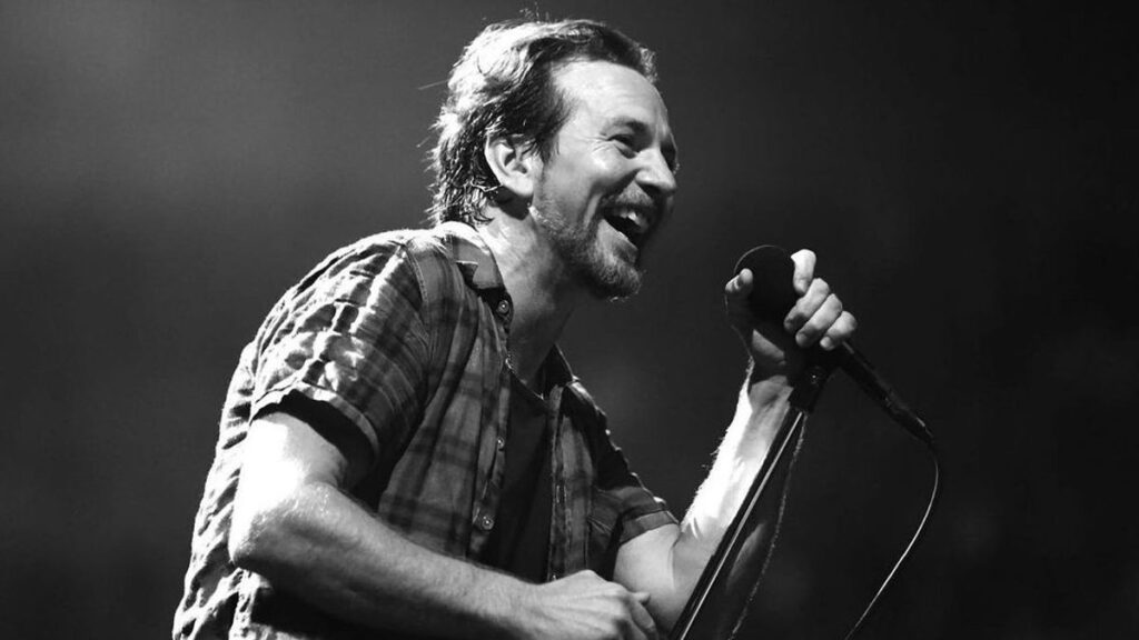 Vedder e gli Earthlings: questo il nome della nuova Band che accompagna il nuovo progetto solista del leader dei Pearl Jam